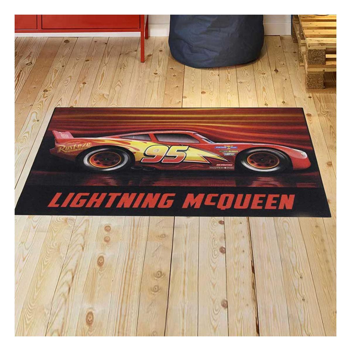 UN AMOUR DE TAPIS Cars III 03 MC Queen /& Cruz 95x125 cm Tapis Enfant Tapis Chambre Tapis Rectangulaire Tapis Rouge