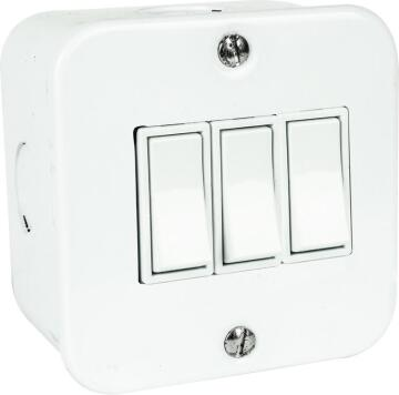 Wall mounted switch 3 levers 1 way 10A ACDC