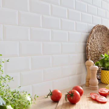 SUBWAY TILE METRO BEVEL WHITE MAT 10X20