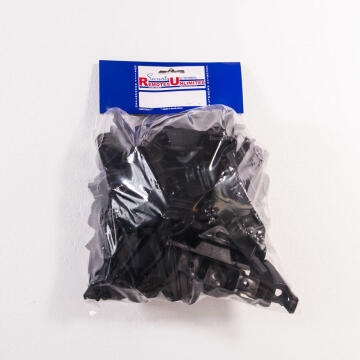 Bobbin UNW nail on black x50