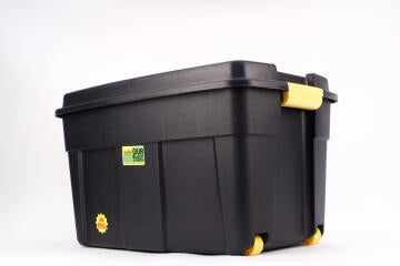 Black trunk with wheels 110l