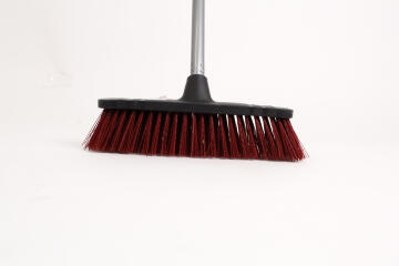BROOM SYNTH BRISTLE INCL METAL HANDLE